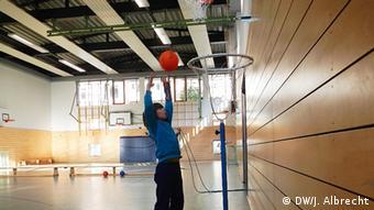 Većina škola nudi i sportske aktivnosti