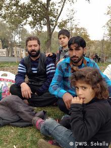 Syrische Flüchtlinge Riyad Ahmed Husein und Dilges Husein (Copyright: DW/Senada Sokollu)