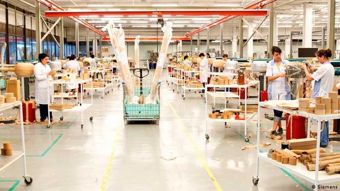 Produktionshallen in den Siemens-Werken in Pravetz