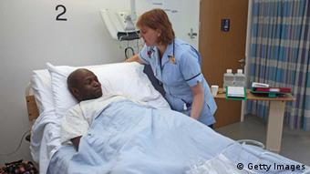 Αρκετοί ασθενείς δεν βρίσκουν κανονικό κρεβάτι κατά τη νοσηλεία τους σε νοσοκομεία της Μ. Βρετανίας