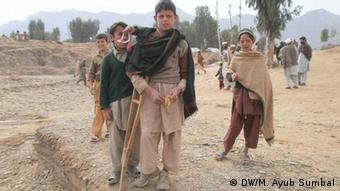 Kinder mit Polio in Khyber Pakhtunkhwa, Pakistan (Foto: KPK)