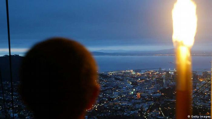 Olympische Fackel Tafelberg Kapstadt (Foto: Getty)