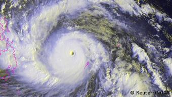 Taifun Haiyan satellite picture