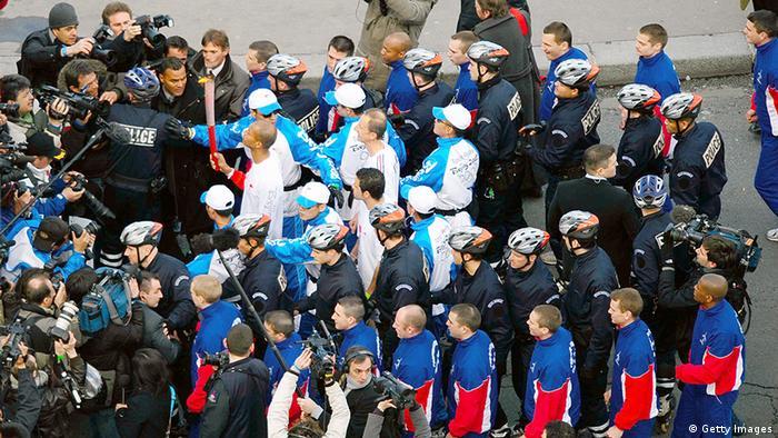 Olympia Olympisches Feuer 2008 Proteste Paris Sicherheit (Foto: afp)