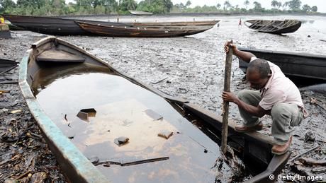Photo: Oil pollution in the Niger River Dealta (Source: Getty Images)