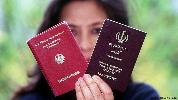 Deutscher und iranischer Reisepass
