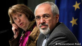 REFILE - ADDITIONAL CAPTION INFORMATION IN SECOND SENTENCE OF ATTRIBUTION OF QUOTE European Union foreign policy chief Catherine Ashton (L) and Iranian Foreign Minister Mohammad Javad Zarif attend a news conference at the end of the Iranian nuclear talks in Geneva November 10, 2013. Zarif and Ashton said on Sunday they hoped Iran and six world powers would reach an agreement when they gather again in 10 days, adding that the latest round of talks on Tehran's nuclear programme was something all delegations can build on. REUTERS/Jason Reed (SWITZERLAND - Tags: POLITICS)