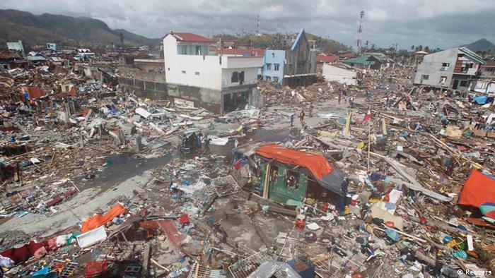 Zerstörte Häuser auf den Philippinen (Foto: REUTERS/Romeo Ranoco)