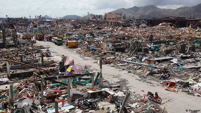 Verwüsteter Ort auf den Philippinen nach dem Taifun Haiyan
