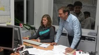 Larissa Wulfert und Roland Strux von Don Bosco Mondo (Foto: DW/S. Broll)