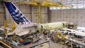 Airbus-Produktionshalle bei Toulouse (Archiv, Quelle: DPA)