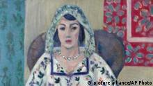Photo provided by the Augsburg, southern Germany, prosecution Tuesday, Nov. 12, 2013 shows the painting by French artist Henry Matisse 'Sitzende Frau' ('Sitting Woman') that was among the more than 1400 art works that were seized by German authorities in an apartment in Munich in February 2012. Investigators, aided by a leading art historian, are trying to establish the artworks' legal status and history. It's unclear how many of the works might be subject to return to pre-World War II owners. (AP Photo/Staatsanwaltschaft Augsburg)