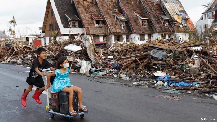 Philippinen Taifun Zerstörung (Reuters)
