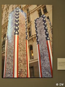 A model of the Twin Towers with pictures of thousands of victims of the 9/11 terrorist attack, Photo: DW