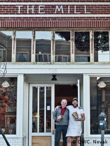 Josey Baker and Josef at The Mill in San Francisco Copyright: DW/Candice Novak