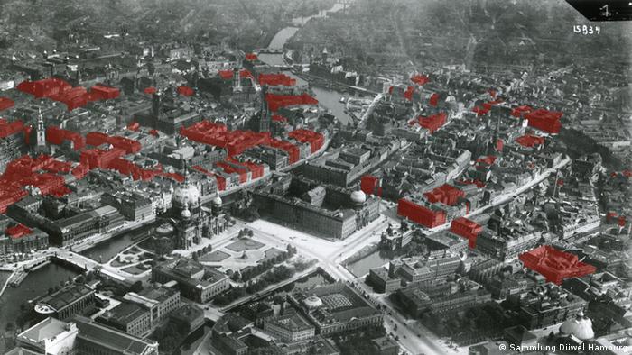 Schrägluftbild Stadtkern Berlin mit Markierung der arisierten Häuser