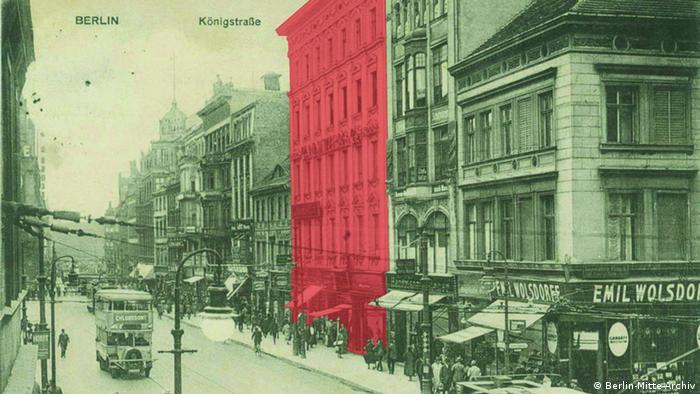 Königstraße mit roter Markierung des Hauses Nr. 50, um 1920.