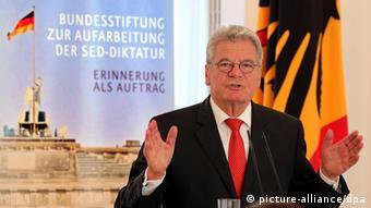 Der Bundespräsident fordert die Jugend auf, andere Fragen zu stellen Foto: Wolfgang Kumm/dpa