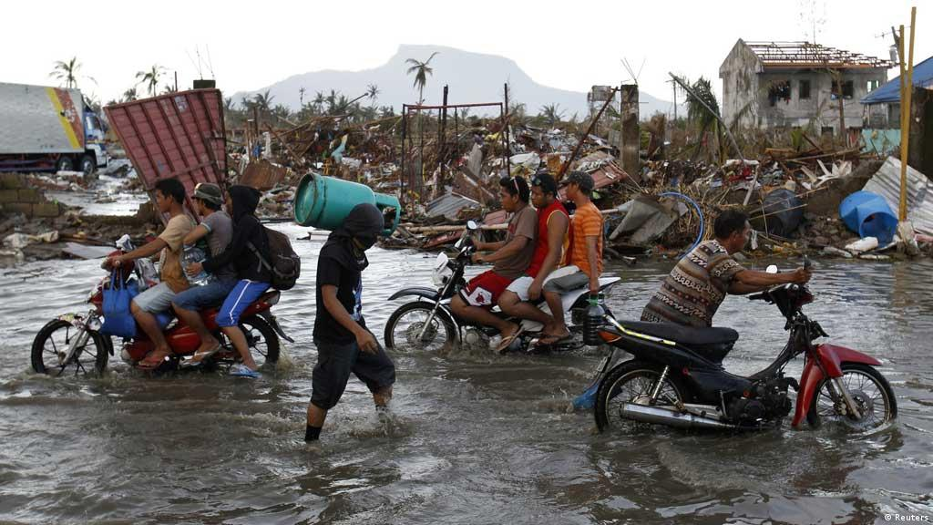 676a129528c Philippines government defends response to Typhoon Haiyan