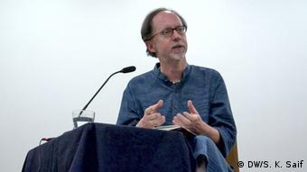 Dr. Jürgen Wasim speaking at the Goethe Institute, Karachi (Photo: DW/Shadi Khan Saif)