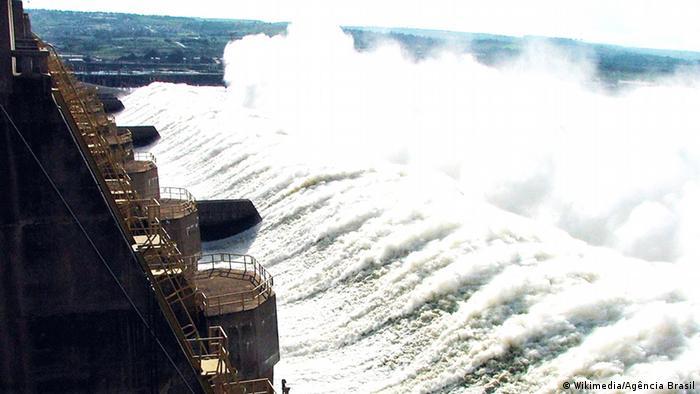 Eletrobras atua na geração, transmissão e distribuição de energia elétrica