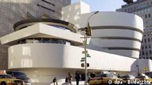 The Solomon R. Guggenheim Museum in New York is pictured on November 16, 2004. Foto: Daniel Acker/Bloomberg News. /Landov Schlagworte Kultur, Architektur, Gebäude, Museen,