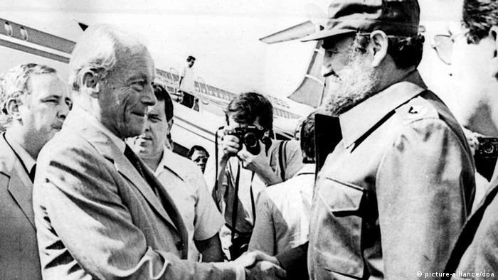 Willy Brandt trifft Fidel Castro. (Foto: dpa)