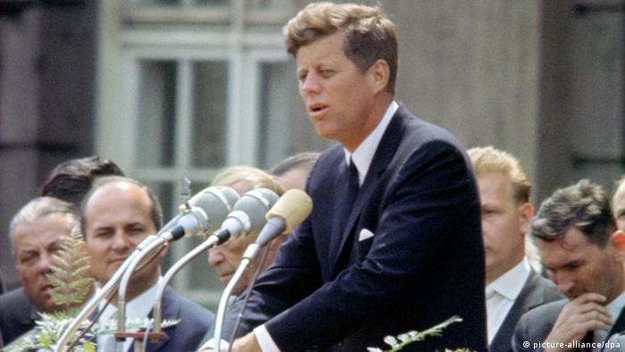 Bildergalerie 50. Jahrestag der Ermordung John F. Kennedys (picture-alliance/dpa)
