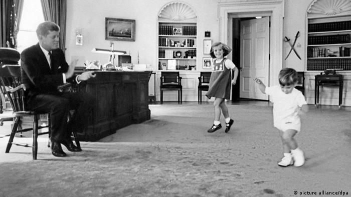 Bildergalerie 50. Jahrestag der Ermordung John F. Kennedys (picture alliance/dpa)
