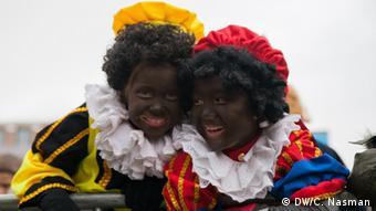 Niederlande Kinder verkleiden sich als Zwarte Piet (Schwarzer Peter)