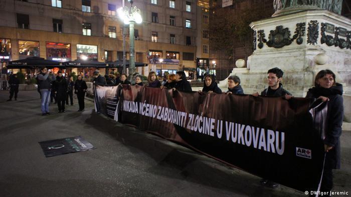 Serbien Demos Vukovar Verbrechen (DW/Igor Jeremic)