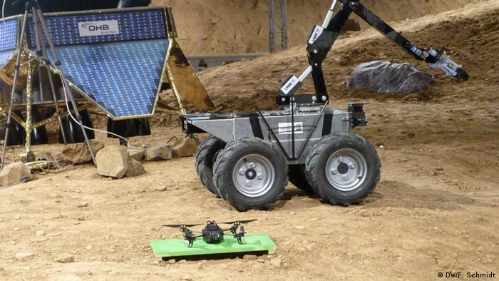 Robot at SpaceBot Cup 2013 (Photo: Fabian Schmidt/DW)