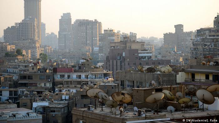 Satellitenschüsseln in Kairo