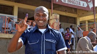 Mosambik Kommunalwahl 20.11.2013 Maputo Bürgermeister Mondlane (picture-alliance/dpa)