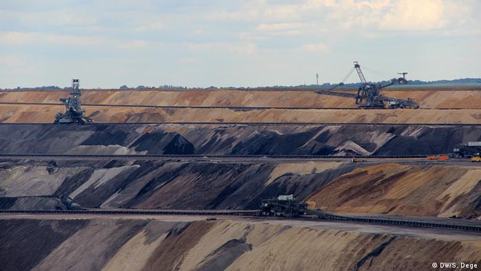 Добыча бурого угля открытым способом