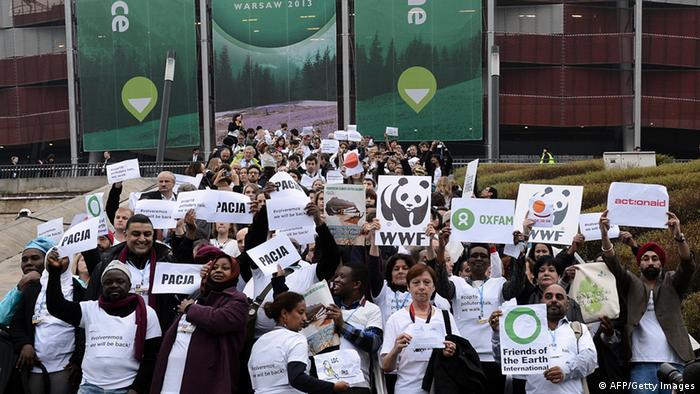 Nevladine organizacije za zaštitu prirode demonstrativno su napustile konferenciju u Varšavi jer su smatrale da su dogovori jedno veliko i virtualno - ništa