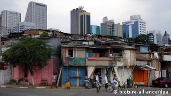 Hendeku të pasur të varfër rritet. Pamje nga Sao Paolo Brazil