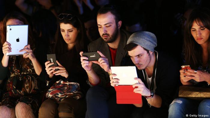 میزان فروش گوشیهای هوشمند و تبلتها در سال ٢٠١٣ به رقمی بیسابقه رسیده است