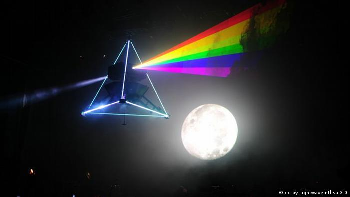 The Dark Side of the Moon von Pink Floyd als Laser-Prisma-Show