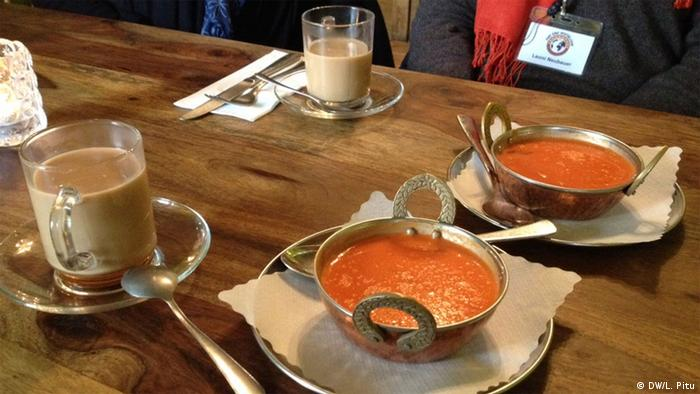 Dal Suppe im Cinnamon Tree, Berlin
