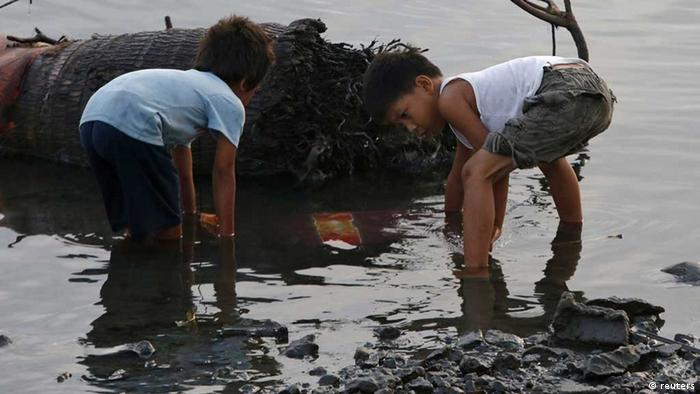 Kinder auf den Philippinen (Foto: Reuters)