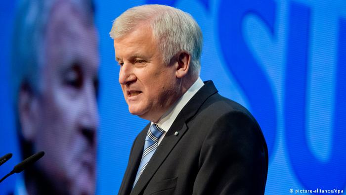 Horst Seehofer at the CSU party conference in Munich, 23.11.2013. (Photo: picture-alliance/ dpa)