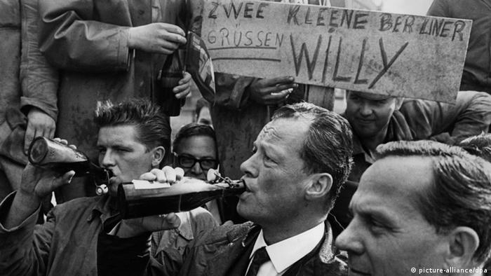 100 Jahre Willy Brandt Bier (picture-alliance/dpa)