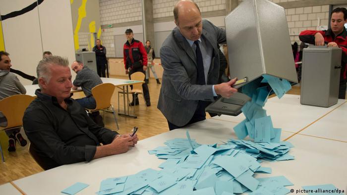 Подсчет голосов на референдуме в Швейцарии