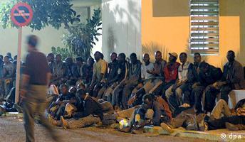 Hunderte Immigranten stürmen Melilla