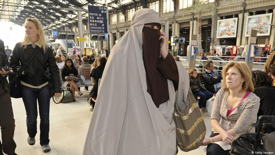 french burqa ban to be questioned at european court of human rights europe news and current. Black Bedroom Furniture Sets. Home Design Ideas
