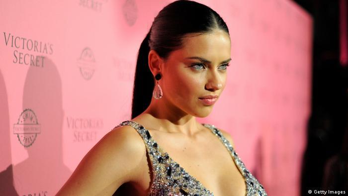 Modelo baiana Adriana Lima