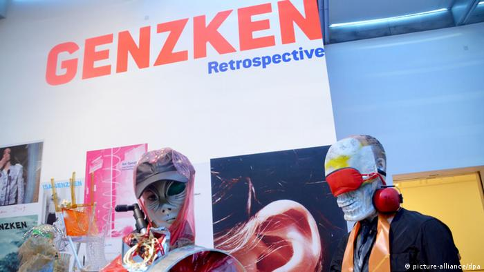 The artistic accolade for Isa Genzken: retrospective in the Museum of Modern Art