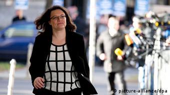 SPD-Generalsekretärin Andrea Nahles bei ihrer Ankunft am Willy-Brandt-Haus. Photo: KAY NIETFELD/dpa