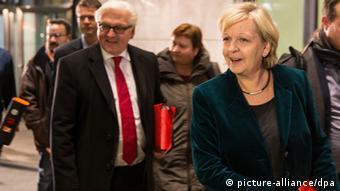 Große Koalition CDU und SPD einigen sich 27. Nov. 2013 Kraft und Steinmeier